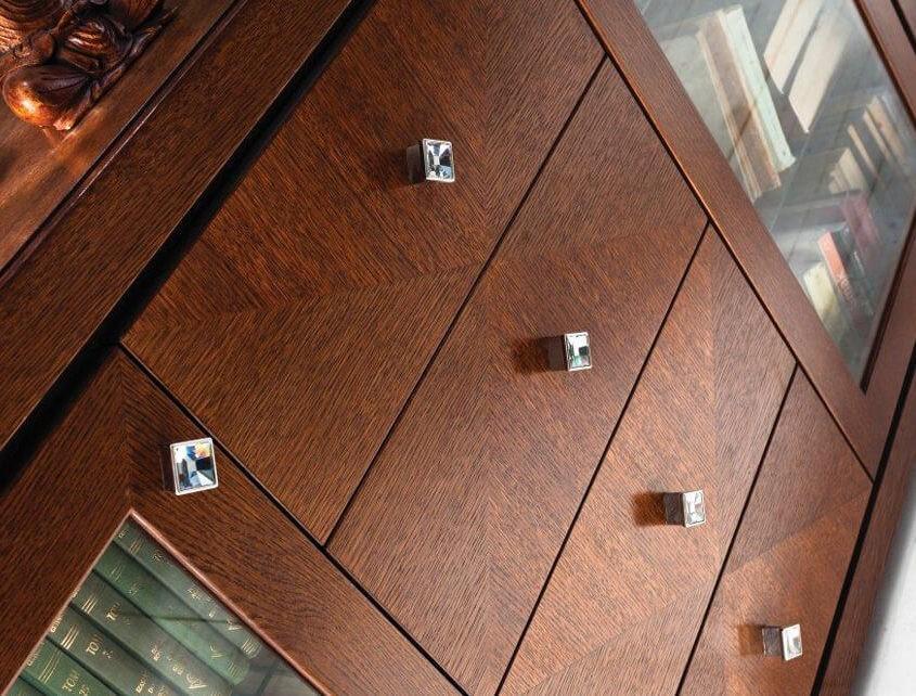 Ekskluzywna komoda z kryształkami Swarovskiego