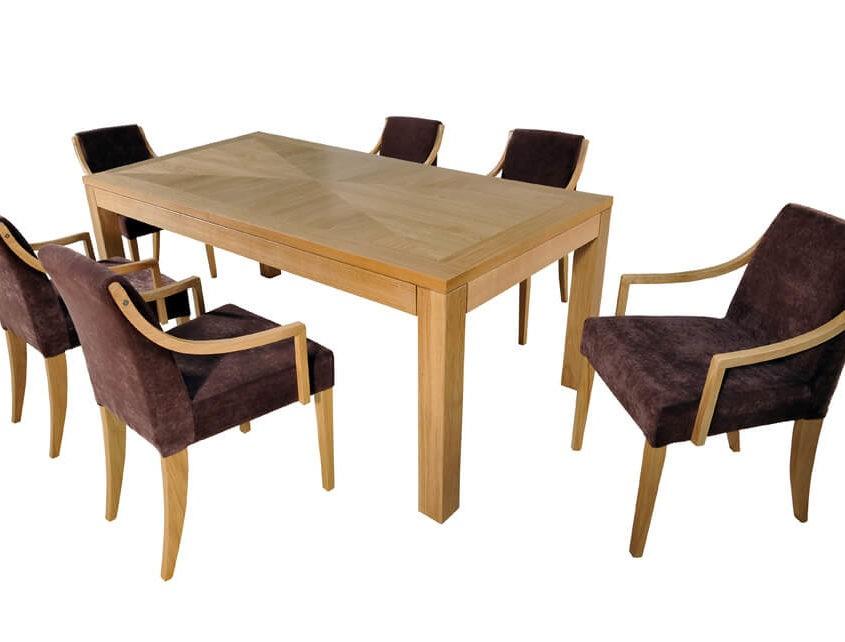 Stół z intarsją