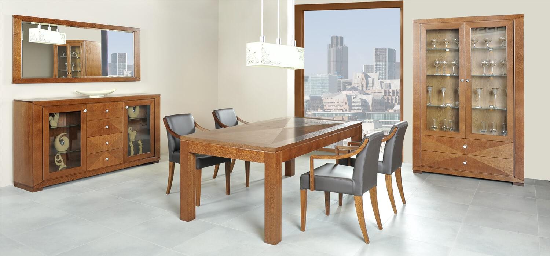solidny stół dębowy