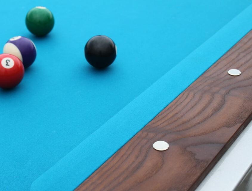 Stół do bilarda z suknem wodoodpornym