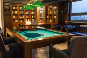 Gabinet biblioteka bilard