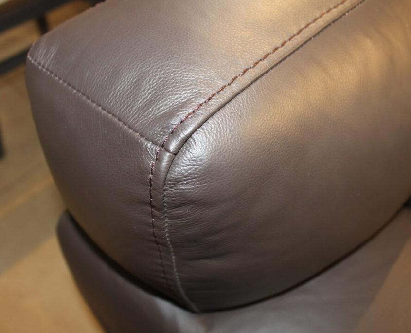 Sofa outlet podłokietnik