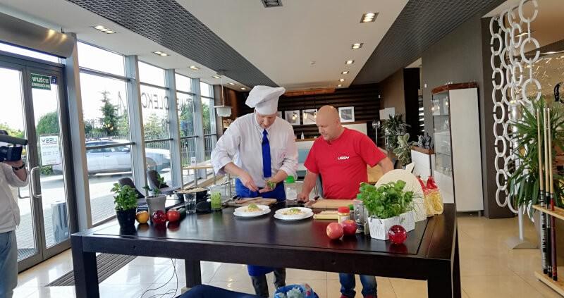 Remigiusz Rączką (Rączka gotuje) - w naszym Centrum Meblowym LISSY w Błachowie