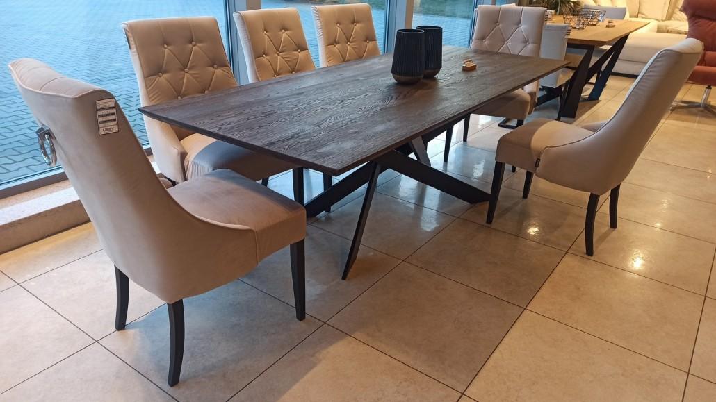Stol-z-krzeslami